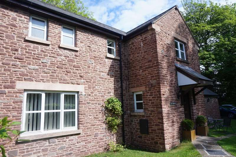 4 Bedrooms Detached House for sale in Llanvihangel Crucorney, ABERGAVENNY, NP7