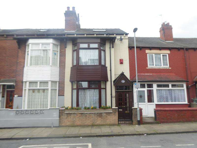 3 Bedrooms Terraced House for sale in Broughton Terrace, Harehills, LS9