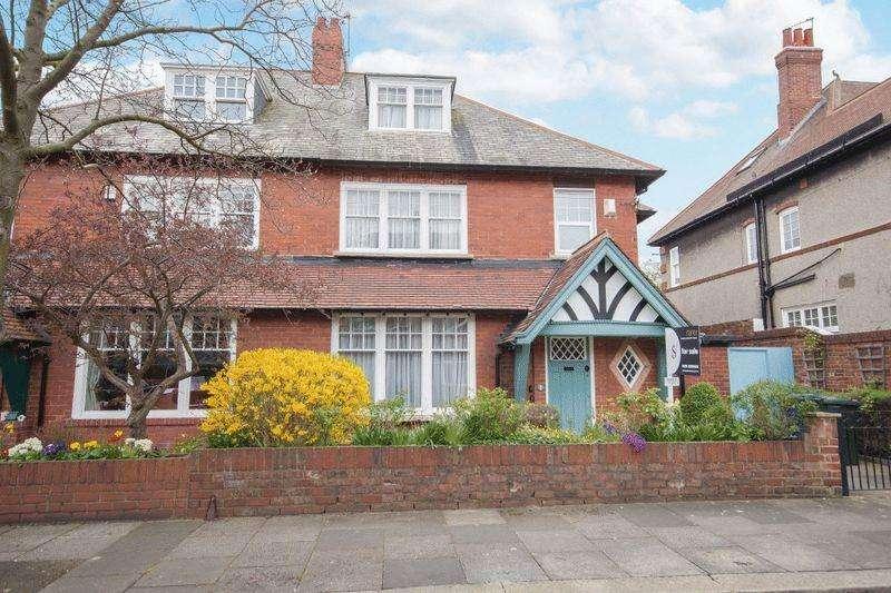 5 Bedrooms Semi Detached House for sale in 14 Westfield Avenue, Gosforth, NE3 4YH