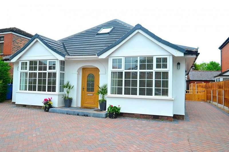 3 Bedrooms Detached Bungalow for sale in Woodhouse Lane, Sale