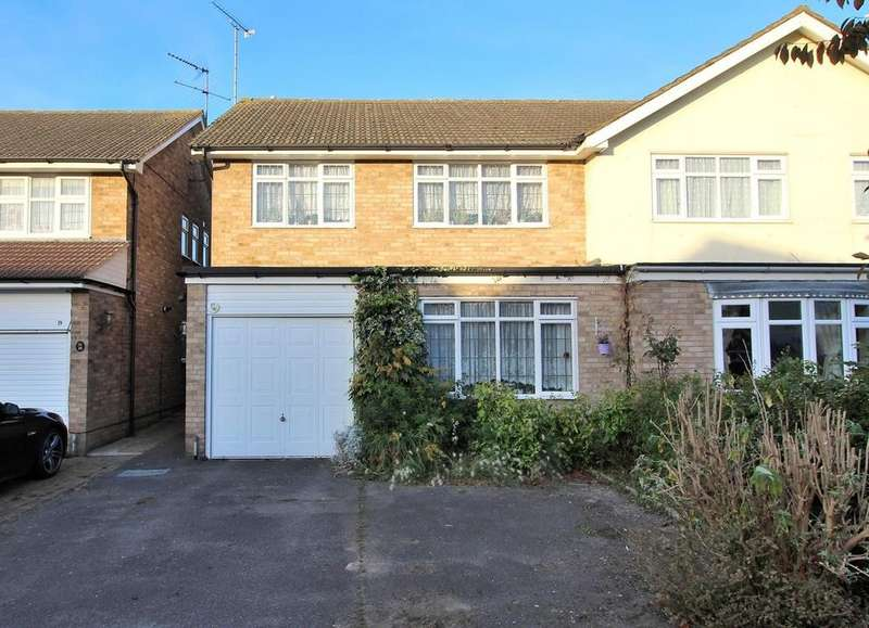 4 Bedrooms Semi Detached House for sale in Rossendale, Chelmsford, Essex, CM1