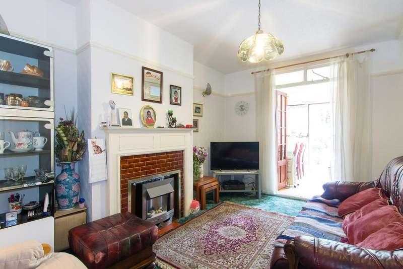 1 Bedroom Flat for sale in Beechmount Avenue, London