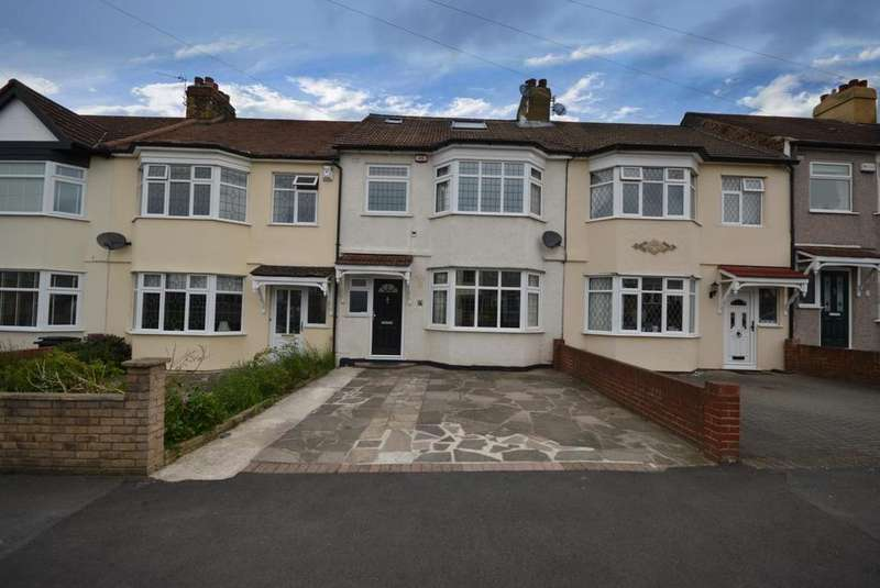 4 Bedrooms Terraced House for sale in Norman Road, Hornchurch, Essex, RM11