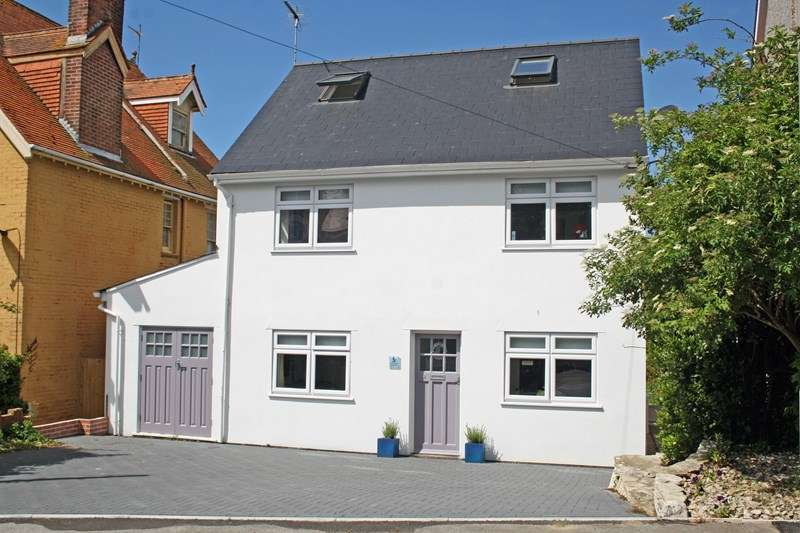 4 Bedrooms Detached House for sale in Cliff Avenue, Swanage