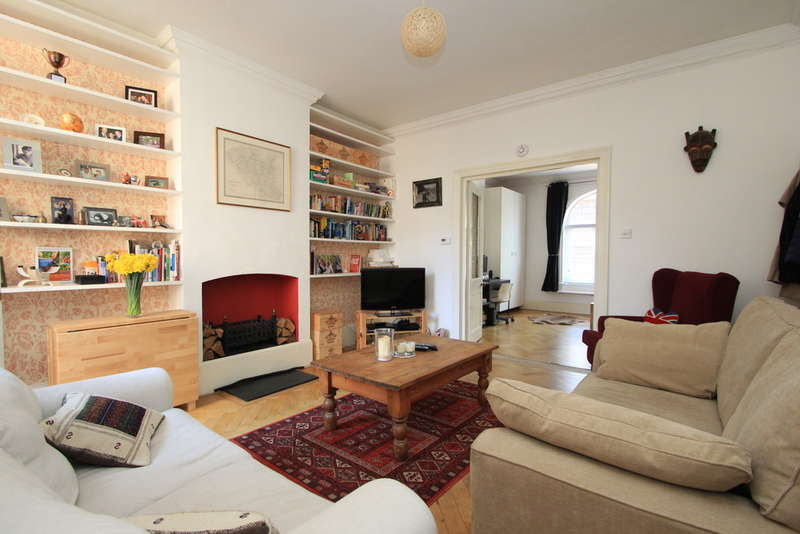 1 Bedroom Flat for sale in Claremont Road, Surbiton