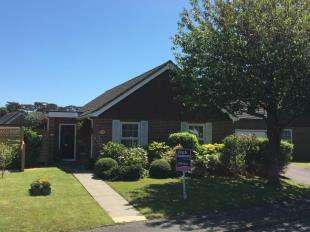 3 Bedrooms Bungalow for sale in Barrack Lane, Aldwick, Bognor Regis, West Sussex