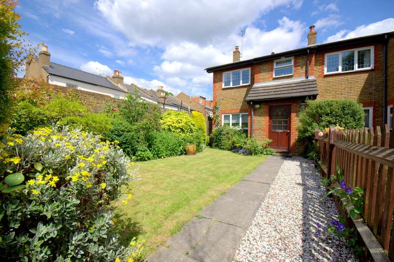 3 Bedrooms End Of Terrace House for sale in The Groves