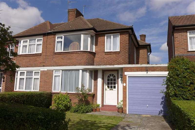 3 Bedrooms Property for sale in Kynance Gardens, Stanmore, Middlesex
