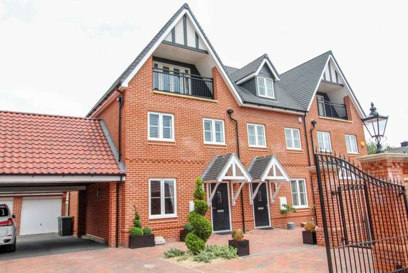 4 Bedrooms End Of Terrace House for sale in Bansons Mews, High Street, Ongar, Essex, CM5