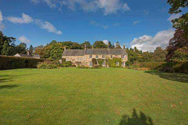 6 Bedrooms Country House Character Property for sale in Staward Manor