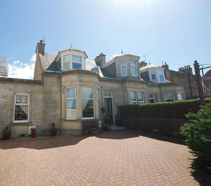 6 Bedrooms Semi-detached Villa House for sale in 3 Carrick Road, Ayr, KA7 2RA