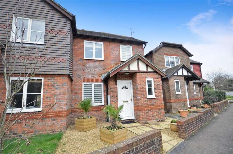 3 Bedrooms Semi Detached House for sale in Pulborough Road, Storrington, West Sussex