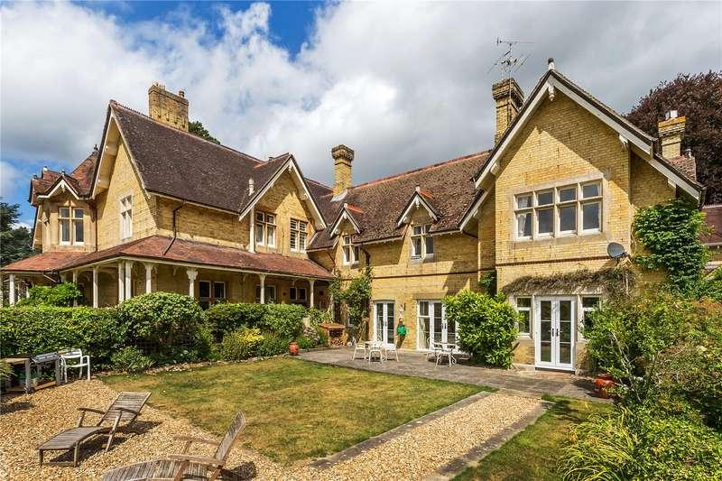 4 Bedrooms Flat for sale in Sandy Lane, Betchworth, Surrey, RH3