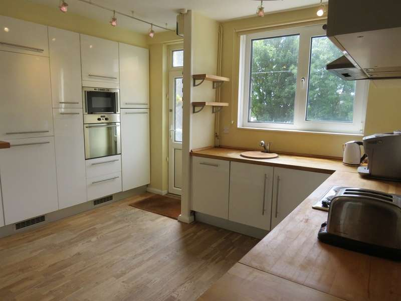 2 Bedrooms House for sale in Park Street, Bridgend