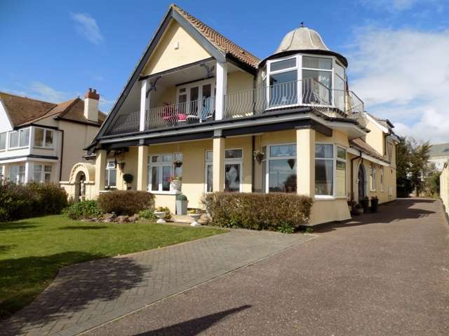 5 Bedrooms Detached House for sale in Marine Drive, Preston