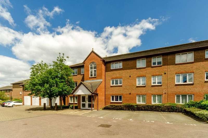 2 Bedrooms Flat for sale in Hopwood Close, Earlsfield, SW17