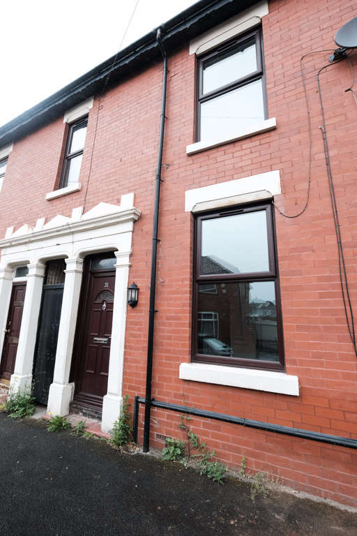 3 Bedrooms Terraced House for sale in Herschell Street, Preston, PR1
