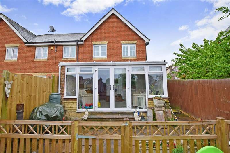 4 Bedrooms End Of Terrace House for sale in Passmore Way, Tovil, Maidstone, Kent
