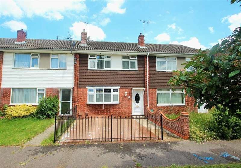 3 Bedrooms Terraced House for sale in Crosstree Walk, The Willows, Colchester