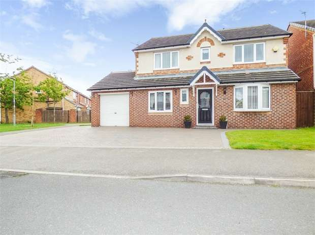 4 Bedrooms Detached House for sale in Balmoral Drive, Peterlee, Durham