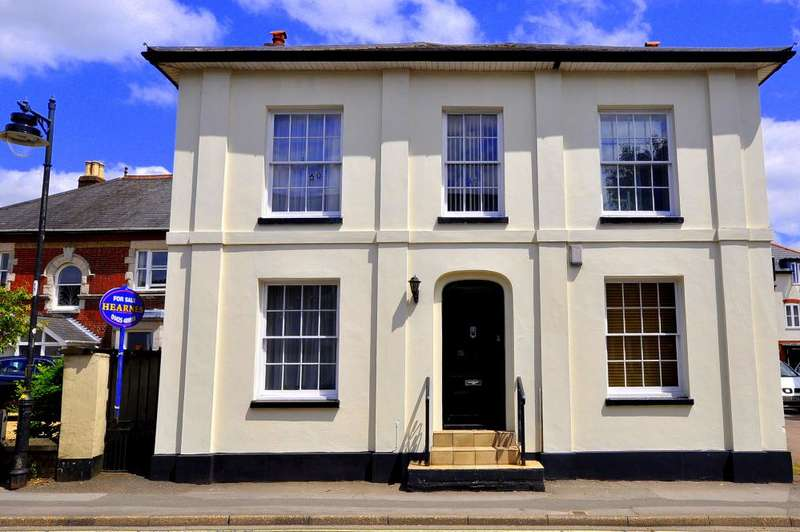 4 Bedrooms Detached House for sale in Christchurch Road, Ringwood, BH24 1DH