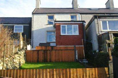 3 Bedrooms End Of Terrace House for sale in Goronwy Street Number Two, Gerlan, Bethesda, Gwynedd, LL57