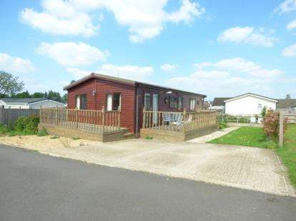 2 Bedrooms Mobile Home for sale in Riverview Park, Station Road, Cogenhoe, Northampton
