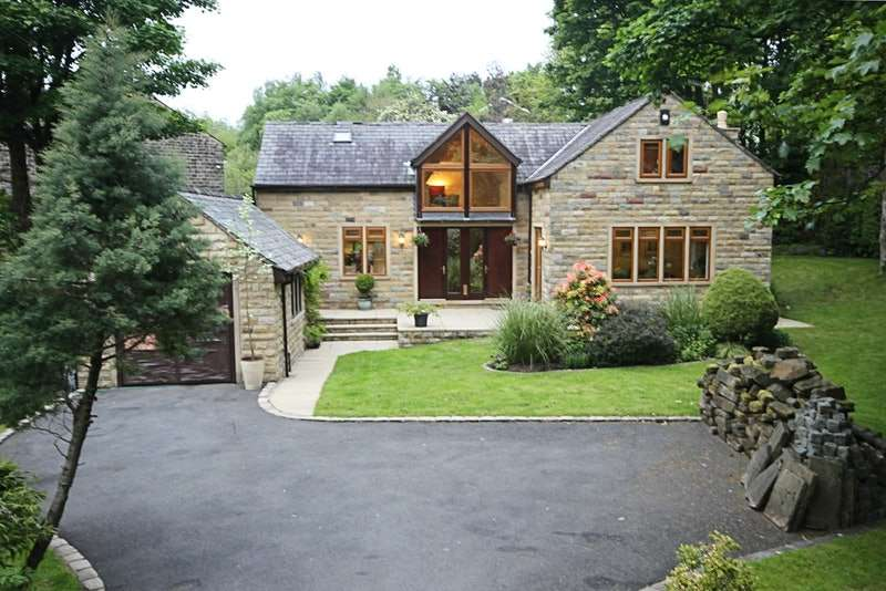4 Bedrooms Detached House for sale in Church Road, Uppermill Oldham, Lancashire, OL3