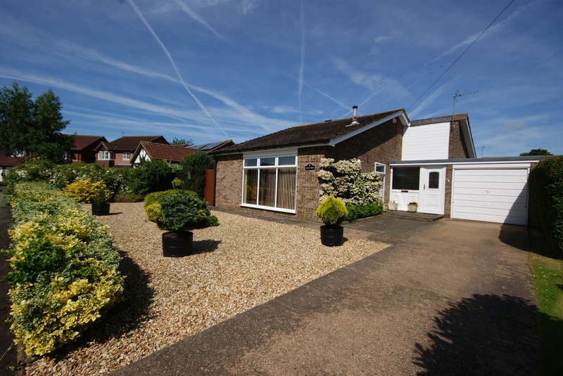 3 Bedrooms Detached Bungalow for sale in Wold View, Nettleham