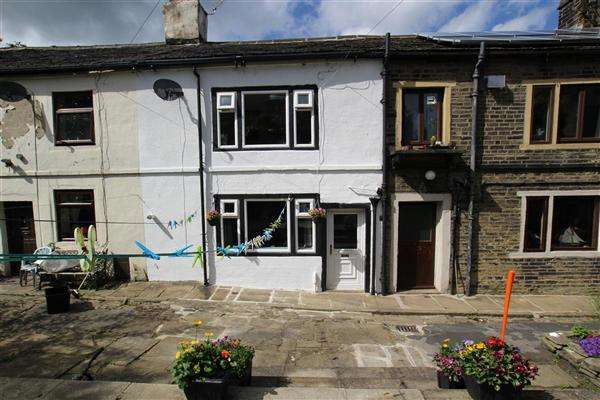 2 Bedrooms Cottage House for sale in Upper Bell Hall, Savile Park, Halifax
