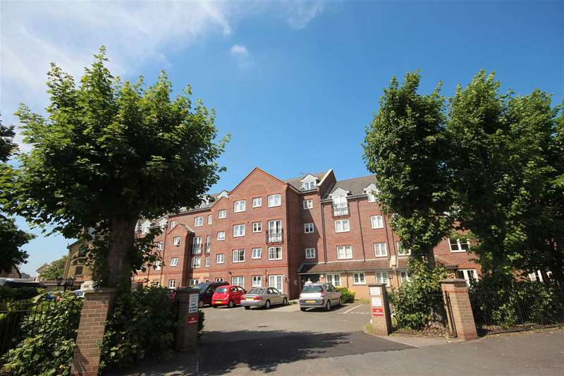 1 Bedroom Apartment Flat for sale in Coleman Court, Clacton-On-Sea
