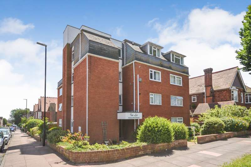 3 Bedrooms Flat for sale in Isa Lei, Eversfield Road, Eastbourne, BN21