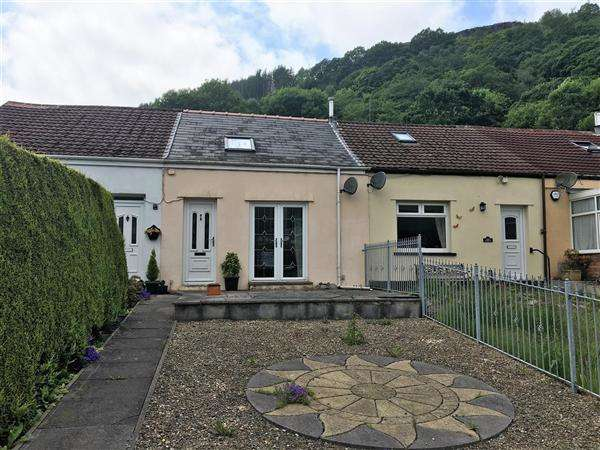 1 Bedroom Terraced House for sale in Station Terrace, llwynapia
