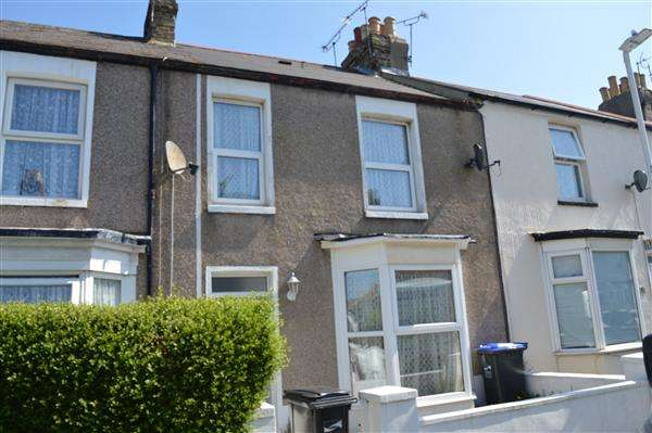 2 Bedrooms Terraced House for sale in Byron Avenue, Margate