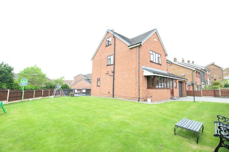 4 Bedrooms Detached House for sale in Cambrian Drive, Royton, Oldham, OL2