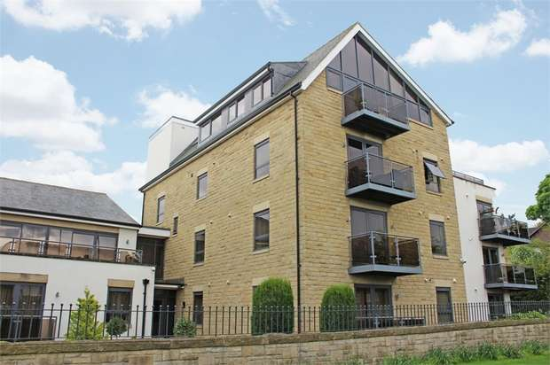 2 Bedrooms Flat for sale in 564 Harrogate Road, Leeds, West Yorkshire