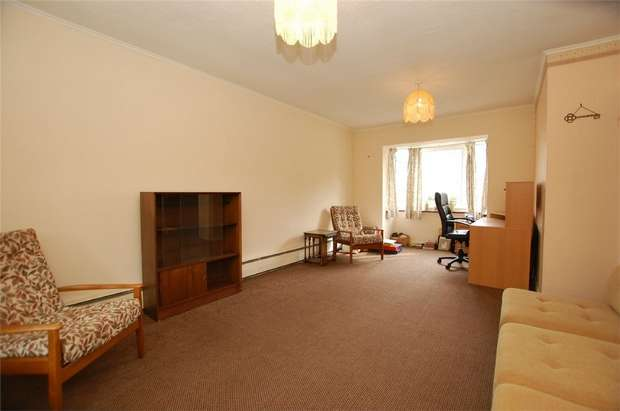 2 Bedrooms Detached Bungalow for sale in Fenn Close, BROMLEY, Kent