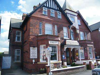 3 Bedrooms Hotel Commercial for sale in Crescent Avenue, Whitby, North Yorkshire
