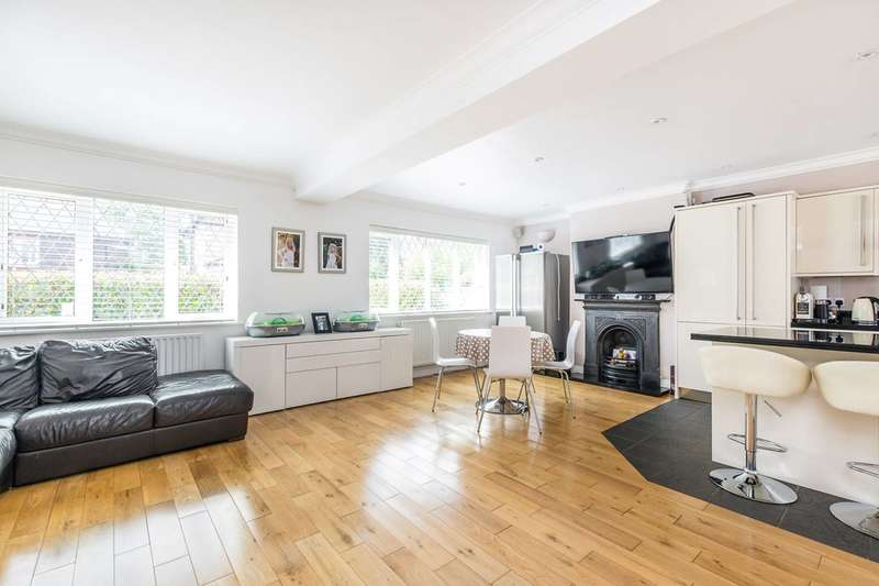 5 Bedrooms End Of Terrace House for sale in Riverview Gardens, Strawberry Hill, TW1