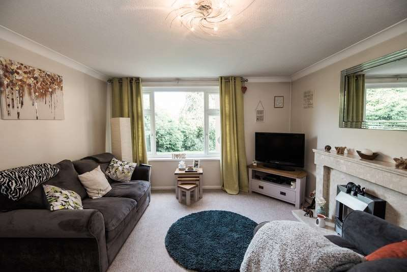 2 Bedrooms Flat for sale in The Southra, Dinas Powys, Glamorgan, CF64