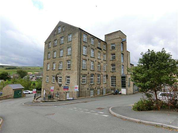 2 Bedrooms Apartment Flat for sale in Upper Sunny Bank Mews, Holmfirth