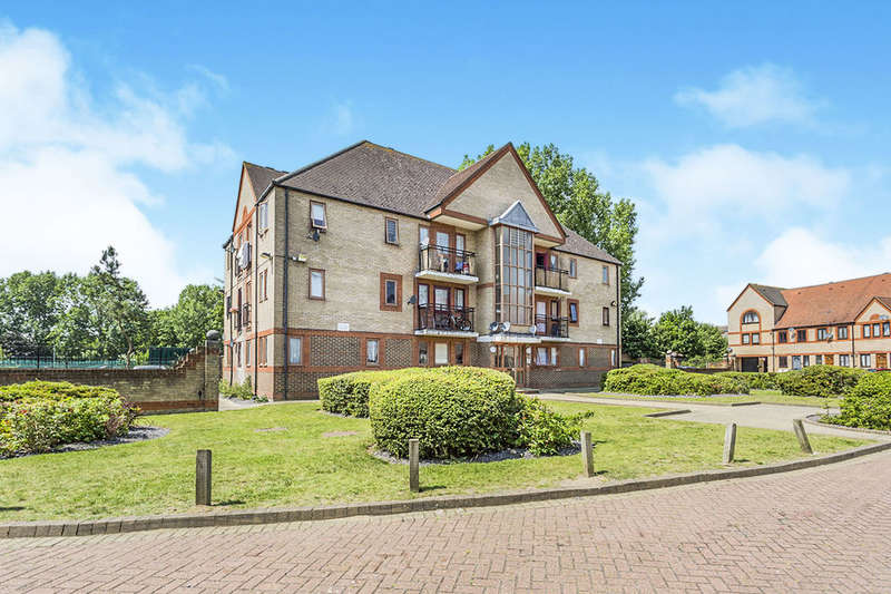 2 Bedrooms Flat for sale in Drake Crescent, North Thamesmead , London, SE28