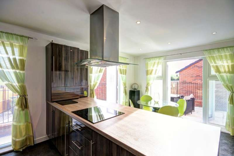 4 Bedrooms Detached House for sale in Little Burn Way, Pelton Fell, Chester Le Street, DH2
