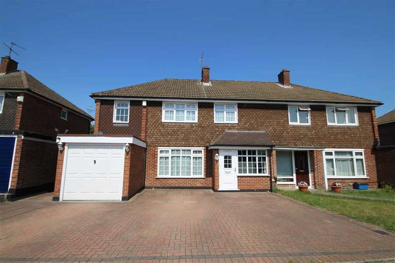 3 Bedrooms House for sale in Marion Close, North Bushey, WD23.