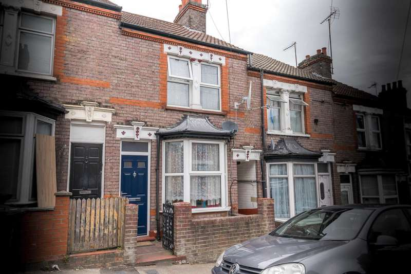 3 Bedrooms Terraced House for sale in Russell Rise, Farley Hill