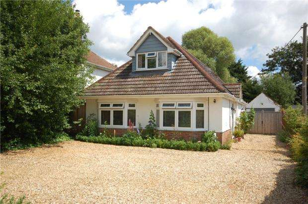 4 Bedrooms Detached House for sale in Poulner, Ringwood, Hampshire, BH24
