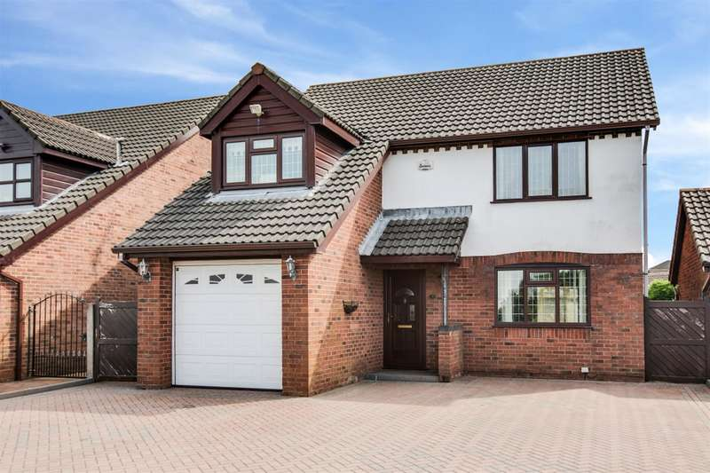 4 Bedrooms Semi Detached House for sale in New City Road, Worsley, Manchester, M28 1XZ