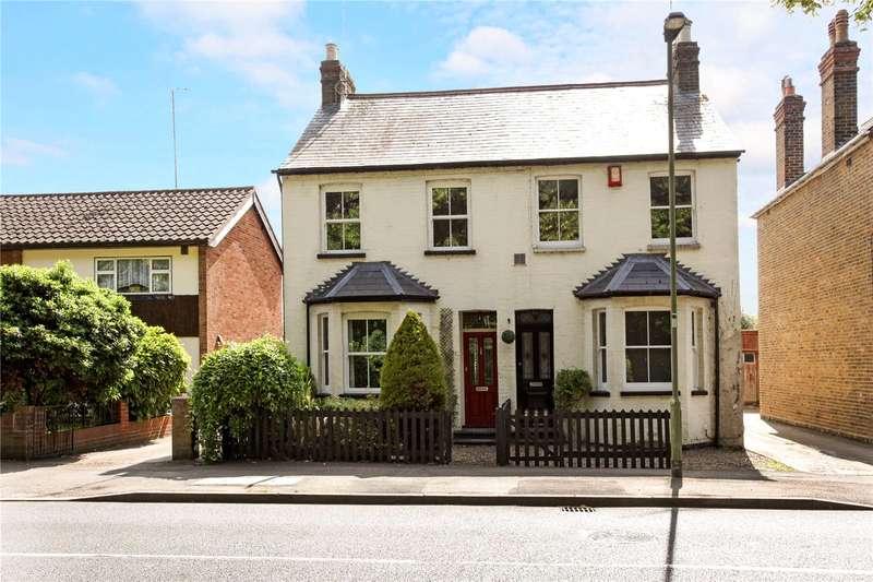 3 Bedrooms Semi Detached House for sale in Horton Road, Datchet, Berkshire, SL3
