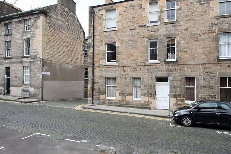 2 Bedrooms Flat for sale in Gayfield Street, Edinburgh, EH1 3NR