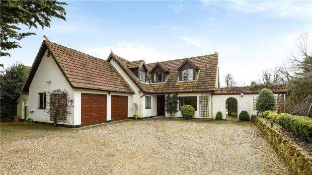 5 Bedrooms Detached House for sale in Upper Woodcote Road, Caversham Heights, Reading